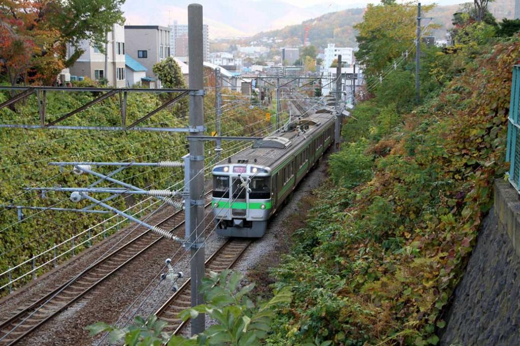 花園交番から電車