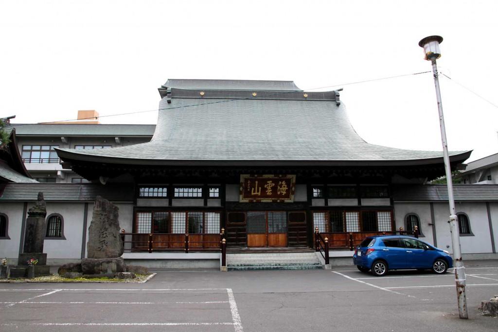 龍徳寺本堂