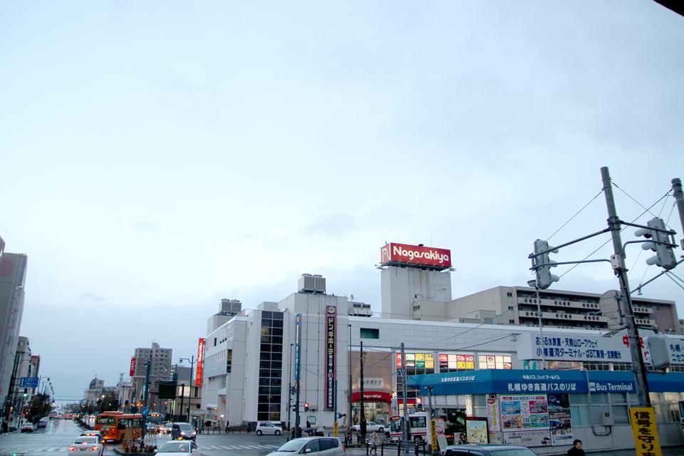小樽駅雨降り20131120