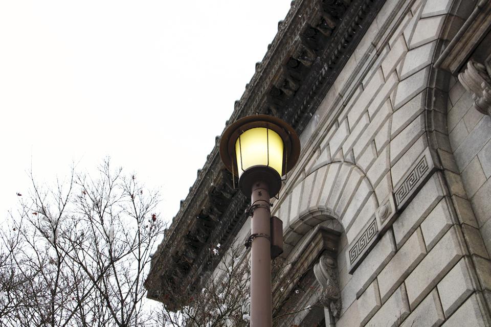 旧三井銀行街灯