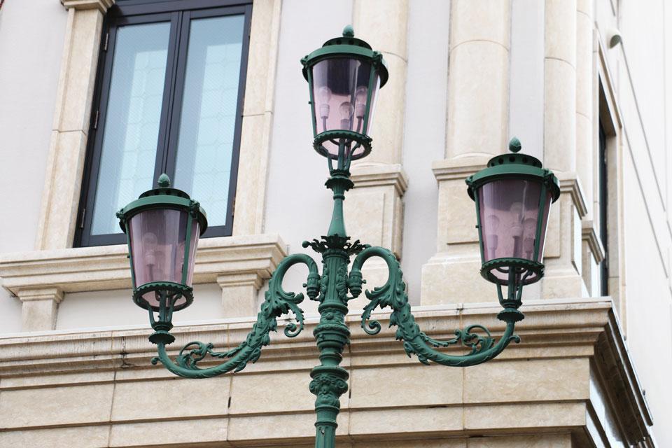 ヴェネツィア美術館の街灯1