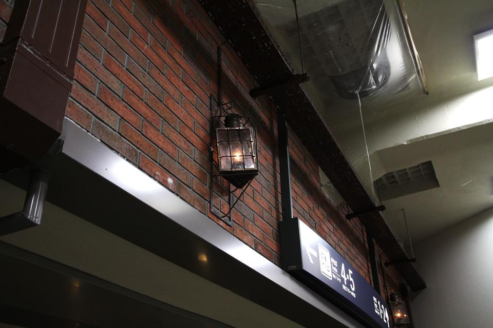 小樽駅構内通路灯