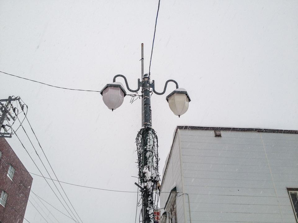 水晶堂さん前街灯