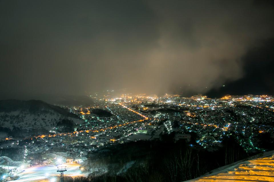 天狗山山頂レストラン展望台夜景