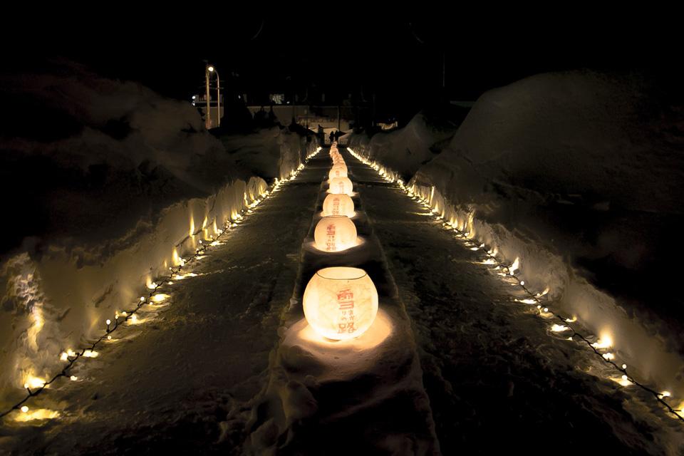 小樽雪あかりの路石原裕次郎記念館前