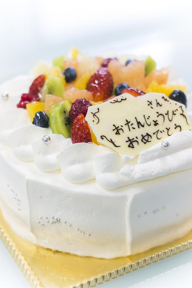 ルキャトリエムバースデーケーキ