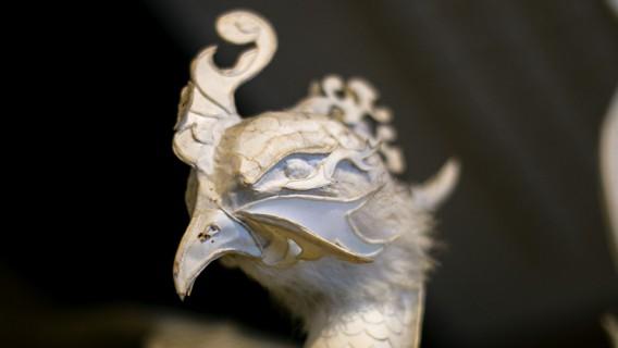 鳳凰の像-北の誉酒造酒泉館